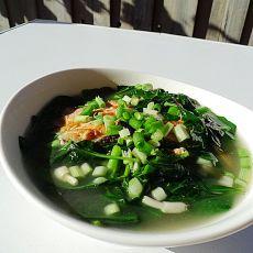 三文鱼骨滚枸杞汤
