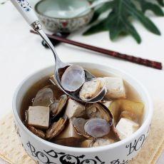 龙井蛤蜊豆腐汤