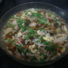 金针菇紫菜海鲜丸子汤