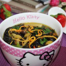 虫草花蟹味菇紫菜汤
