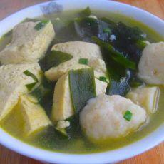 海带豆腐鱼丸汤