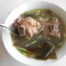 绿豆薏仁海带排骨汤的做法
