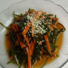 凉拌胡萝卜海带的做法