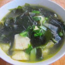 海带小白菜鱼丸汤