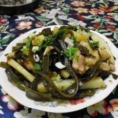 海带鸡片炖土豆