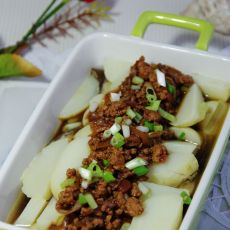 肉酱拌茄子土豆的做法