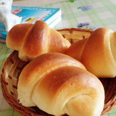 奶香葡萄干面包卷