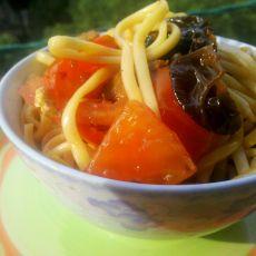 西红柿凉拌面