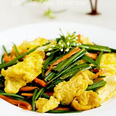 蛋炒韭菜苔