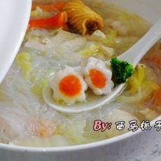 白菜豆腐鱼丸汤的做法