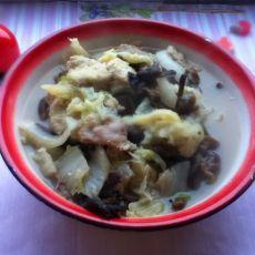 白菜榛蘑炖冻豆腐