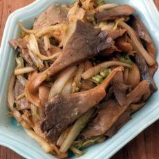 平菇炒白菜的做法