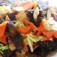炒木耳白菜胡萝卜