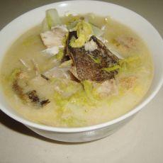 松鱼头煮白菜