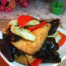 木耳白菜油豆腐的做法