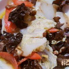 白菜木耳炒香菇