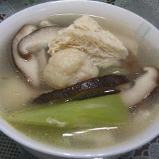 莴笋香菇鱼丸豆腐汤