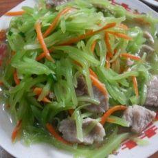肉片炒莴笋萝卜丝