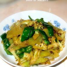 莴笋炒菜花的做法