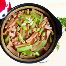 砂锅莴笋午餐肉的做法
