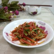 胡萝卜莴笋丝