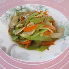 杏鲍菇炒莴笋