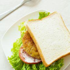煎牛肉饼三明治