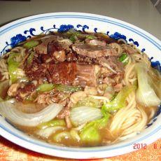 牛肉生菜面汤