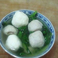 海鲜丸生菜汤