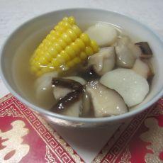 山药香菇玉米汤的做法