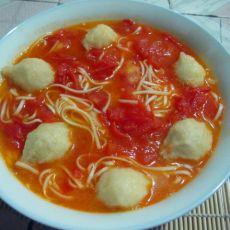 西红柿鱼丸汤面的做法