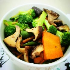西兰花香菇炒五花肉