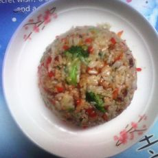 西兰花胡萝卜肉末炒饭