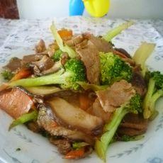 肉炒香菇西兰花