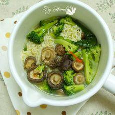香菇西兰花汤面