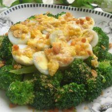 蛋黄碧绿鹌鹑蛋