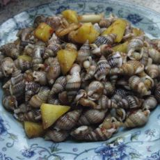 菠萝炒海螺