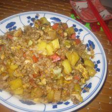 菠萝火腿酱油炒饭