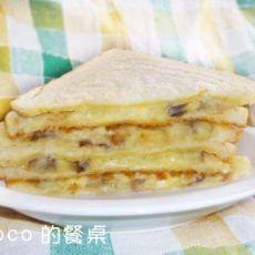 香蕉奶酪三明治