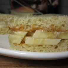 香蕉花生酱三明治