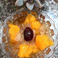 木瓜银耳红枣糖水
