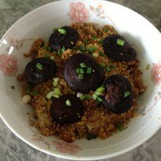 粉蒸小米香菇排骨