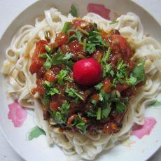 西红柿拌酱面的做法