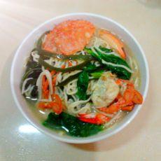 螃蟹海带青菜煮面