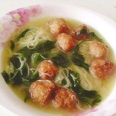 芹菜丸子营养面条汤的做法