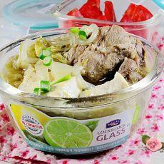 酸菜炖排骨的做法