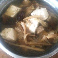 香菇豆腐金针汤