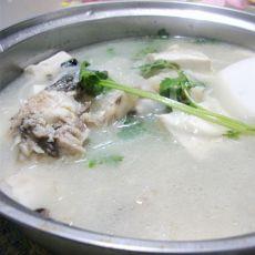 萝卜豆腐鱼头汤