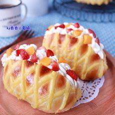 奶油水果网纹面包