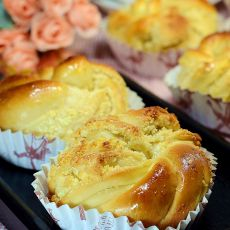 椰蓉花卷面包